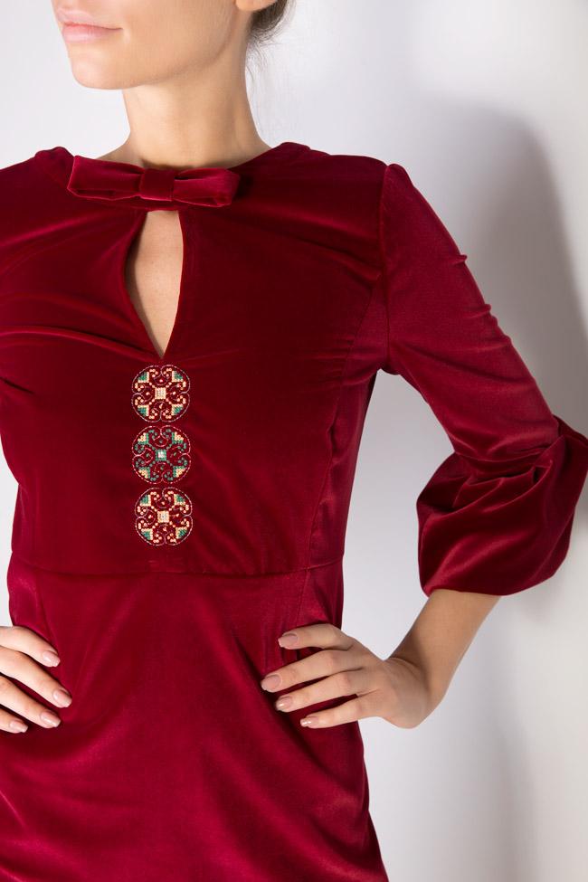 Robe brodée en velours de coton Maressia image 3