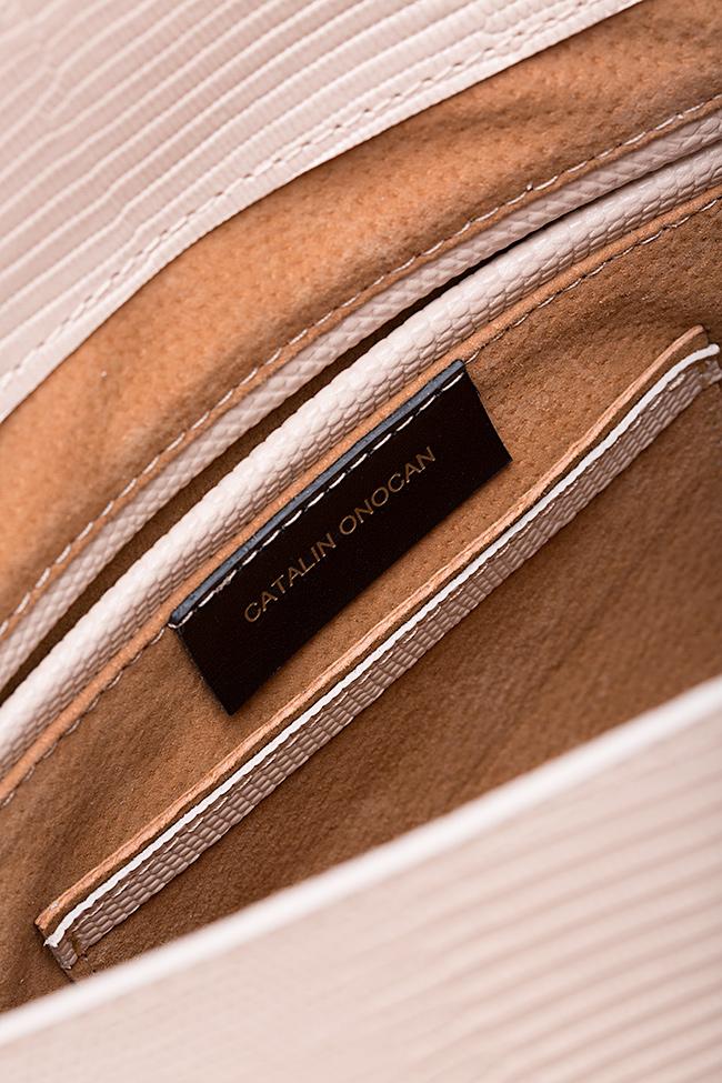 Geanta supradimensionata din piele texturata cu accesorii din metal Desna Catalin Onocan imagine 4