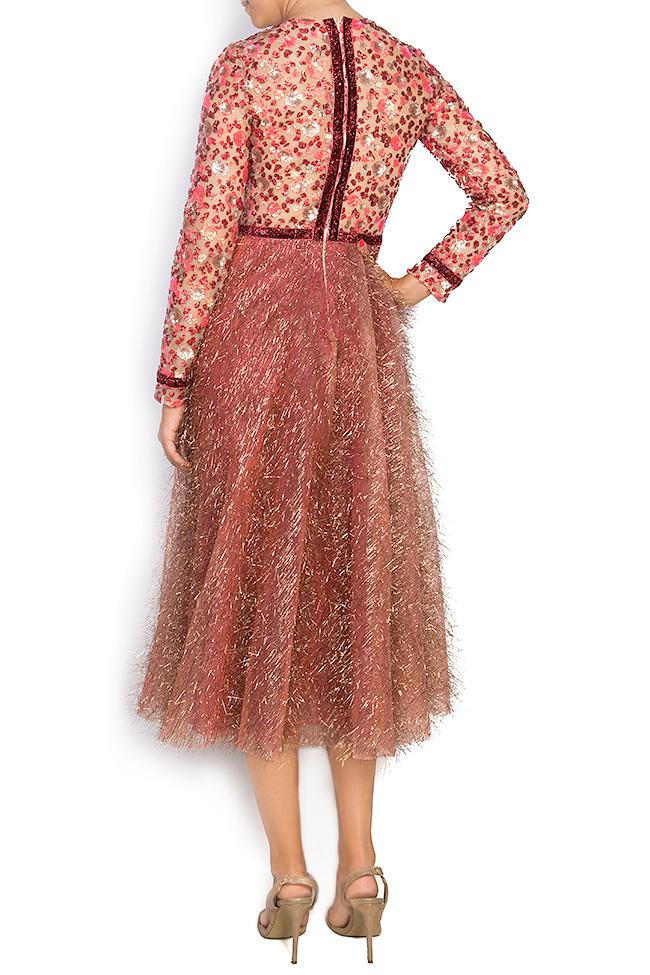 La robe en tulle métallisé avec broderie 3D et applications de velours  Simona Semen image 2