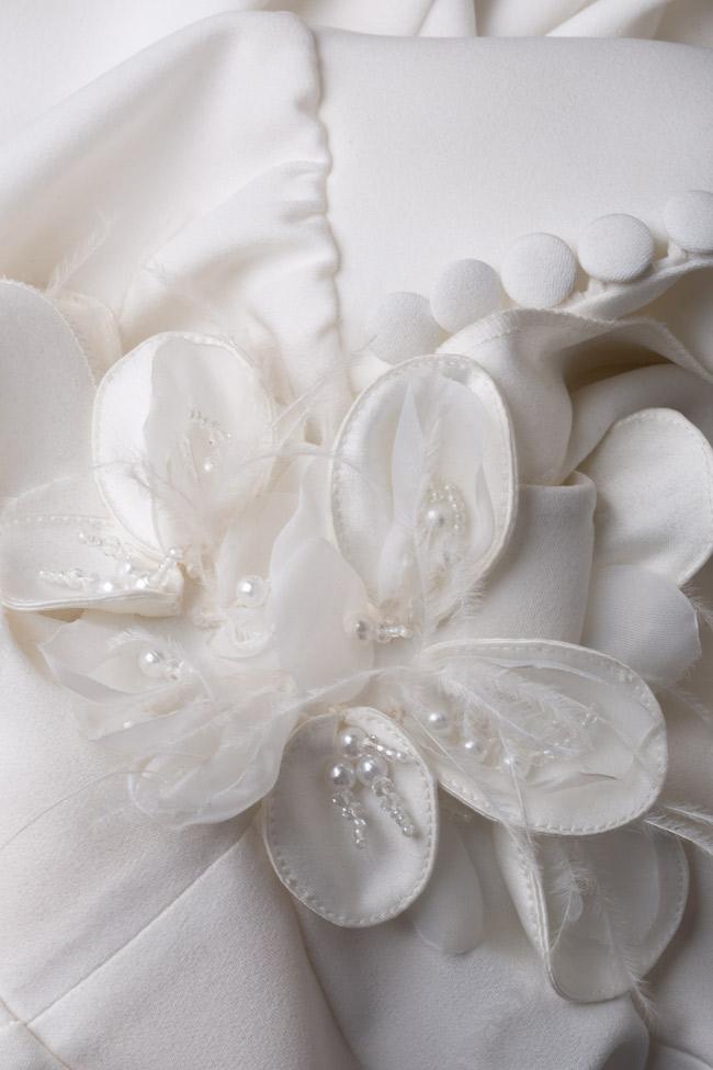 Rochie din crep brodata manual cu flori 3D Jaira M Marquise imagine 5