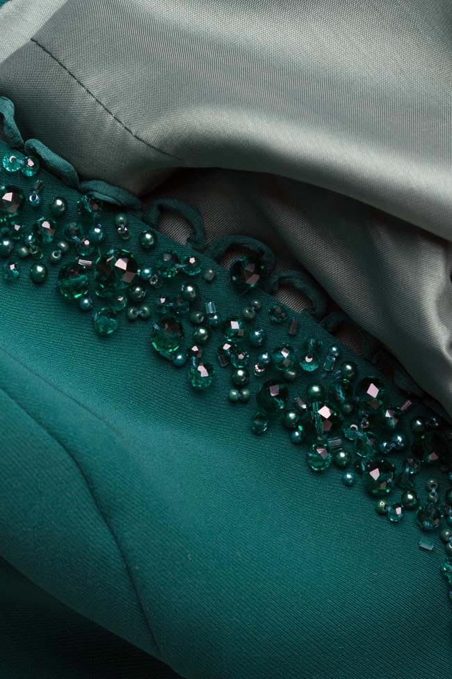 Veste en crêpe avec péplum et applications brodées à la main Xenia M Marquise image 5