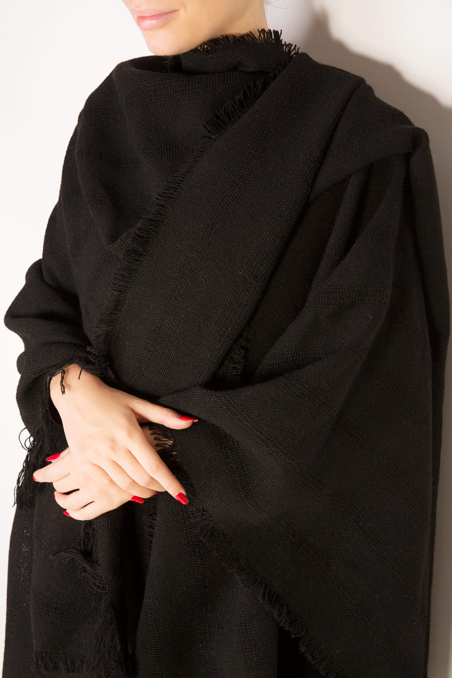 Fringed wool scarf Lia Aram image 3