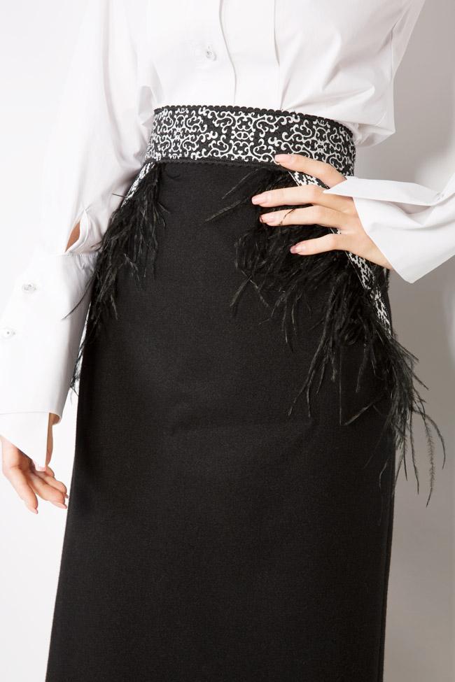 Jupe en étoffe de laine avec applications de plumes Carmen Ormenisan image 3