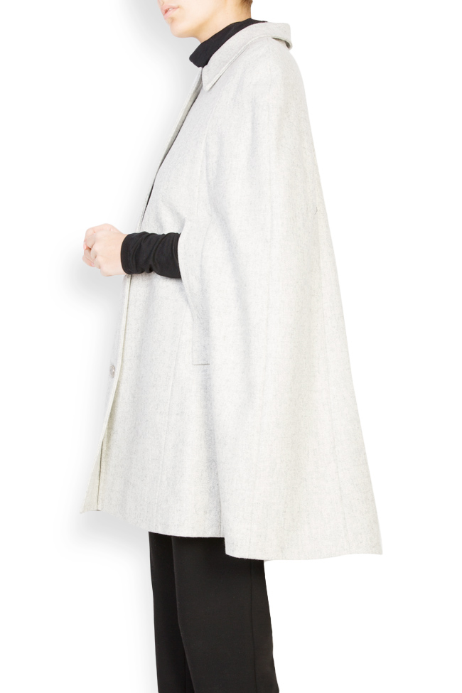 Wool-blend cape Mariana Ciceu image 1