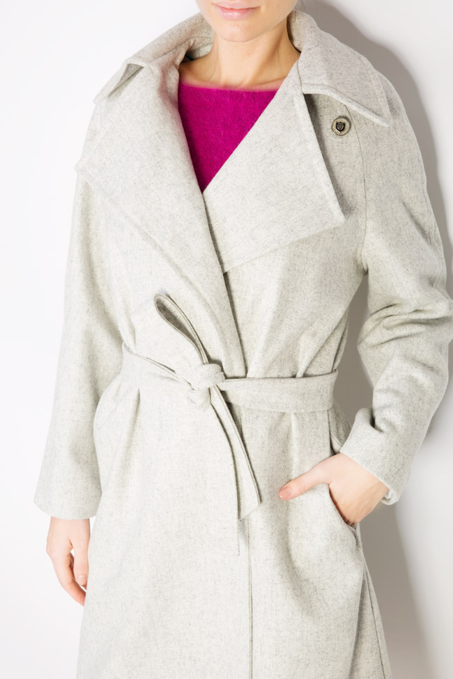 Asymmetric wool-blend coat  Mariana Ciceu image 3