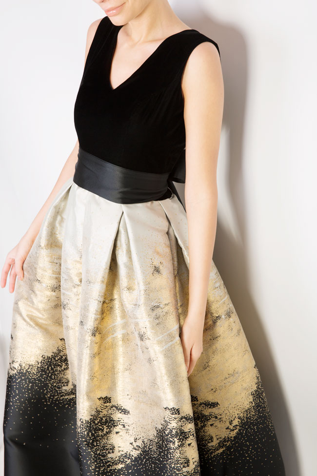 Cotton-blend velvet brocade gown Mirela Diaconu  image 3