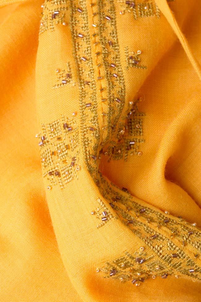 Bluza tip ie brodata manual din lana merinos Izabela Mandoiu imagine 4