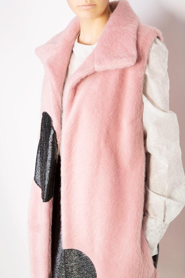 Vesta din blana cu inimi din piele ecologica Lucia Olaru imagine 3