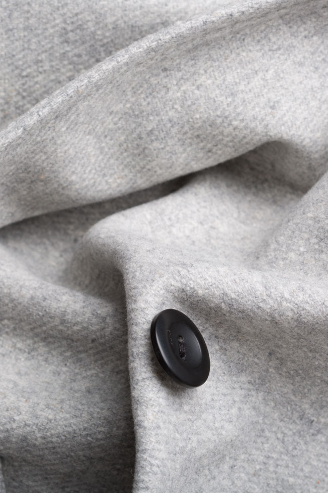 Button embellished oversized wool coat Undress image 4
