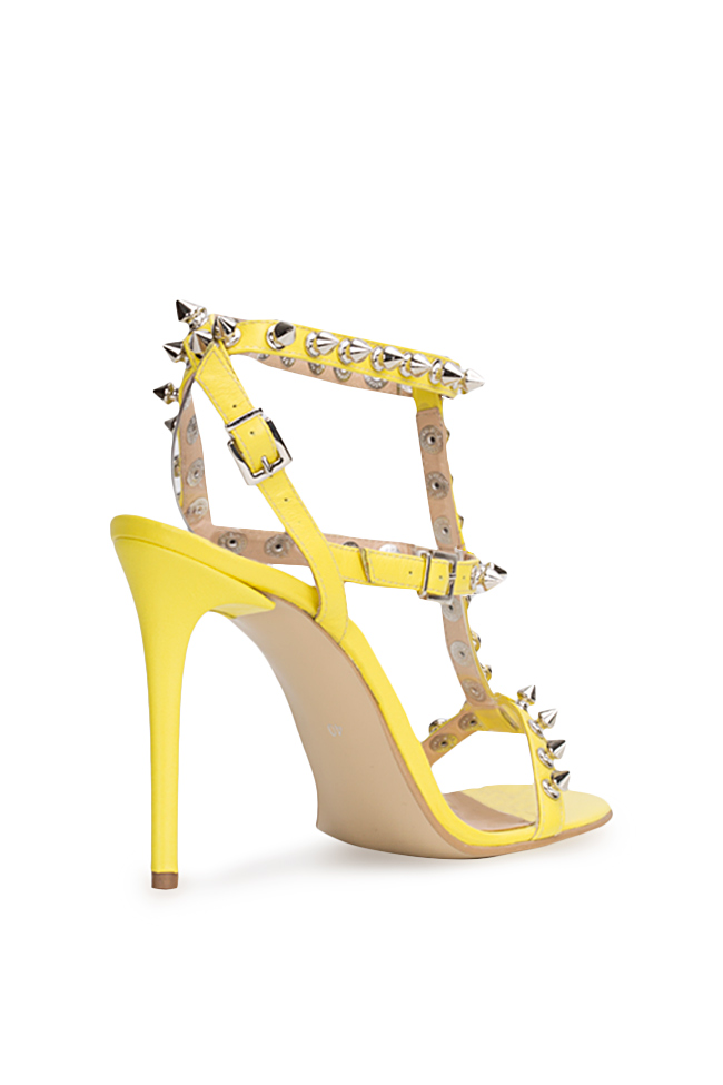 Aphrodisiac rockstud leather sandals Traces of Heels image 1