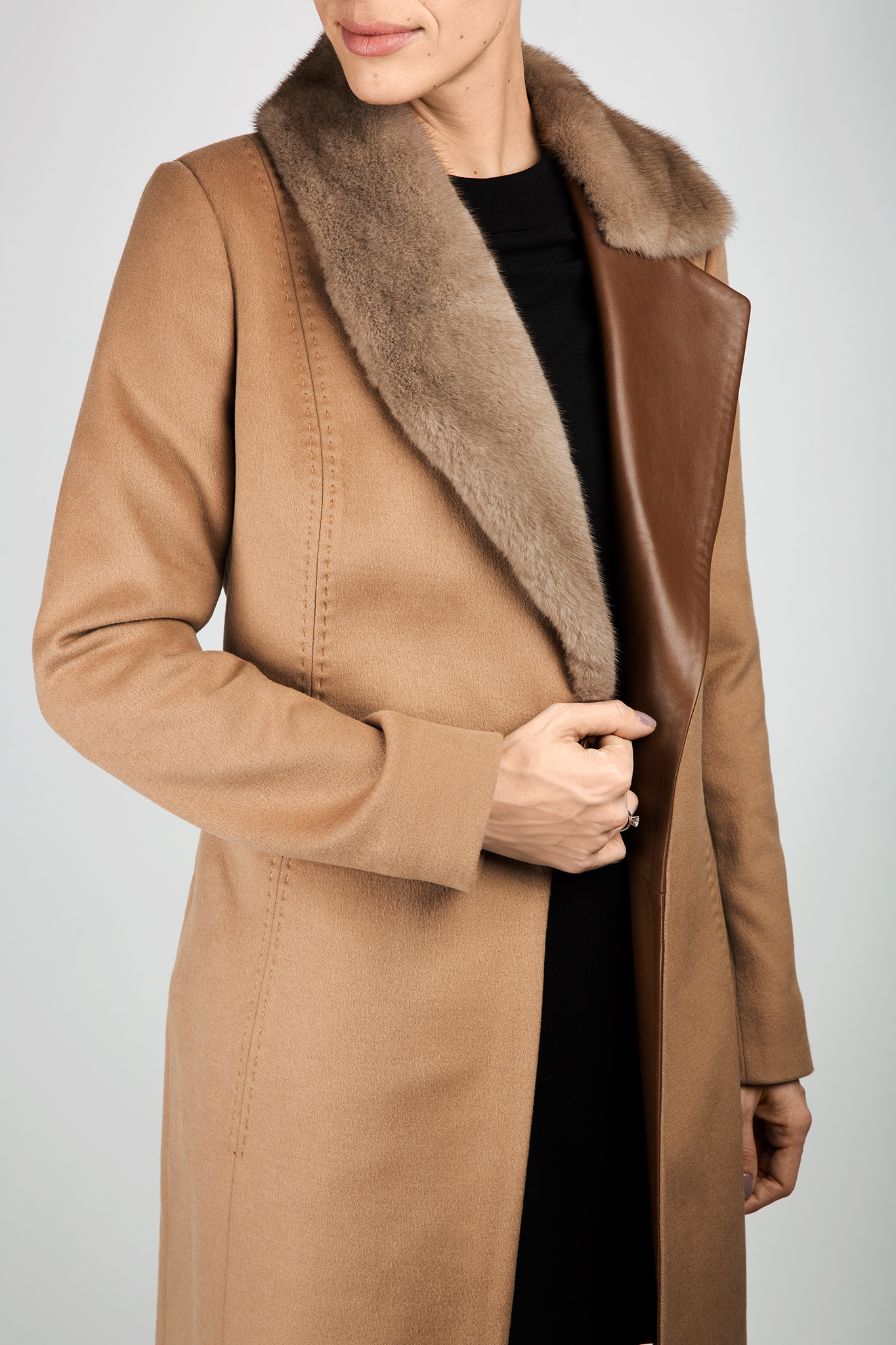 Mink fur leather-paneled wool and cashmere-blend coat  Elora Ascott image 4