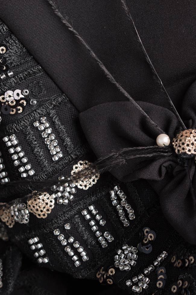 Robe en crêpe avec applications en cristaux et sequins Mariana Ciceu image 4