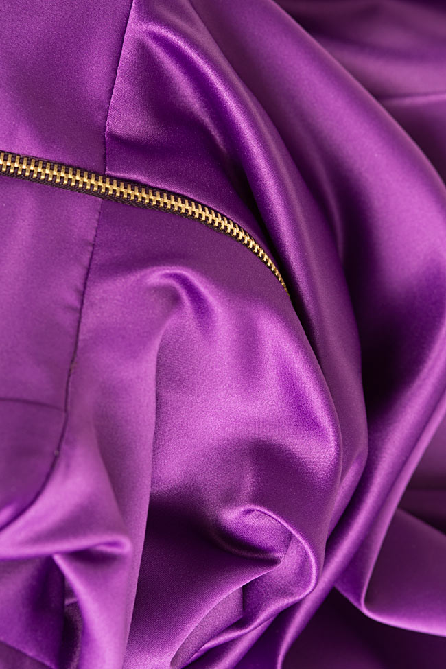 Asymmetric taffeta gown Cloche image 4