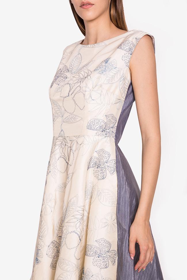 Rochie bicolora din tafta de matase brodata  Oana Manolescu imagine 3