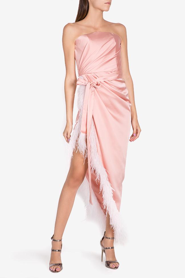 Robe asymétrique en satin avec applications de plumes Mirela Diaconu  image 1