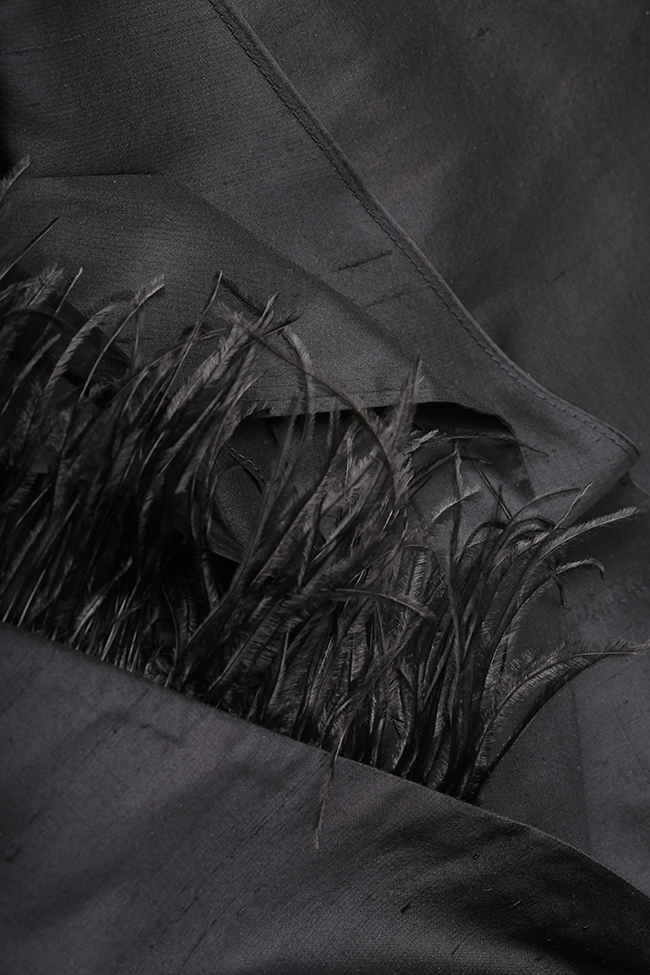 Rochie chimono din shantung de matase cu insertii din fulgi de strut Claudia Castrase imagine 4