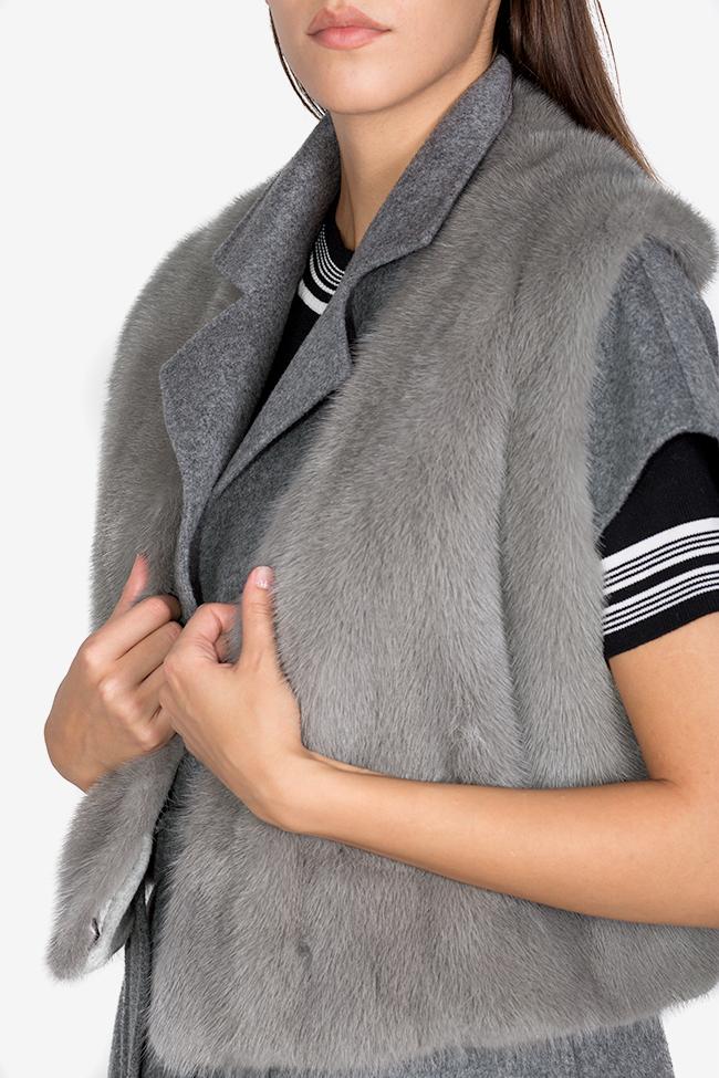 Vesta supradimensionata din amestec de lana si casmir cu guler detasabil din blana de vizon Elora Ascott imagine 3