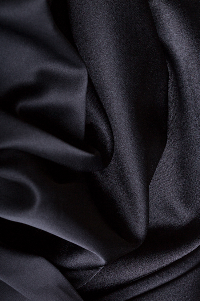 Pantalon en taffetas satiné avec plis Plic Ramona Belciu image 4