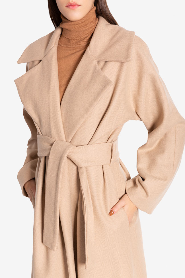 Oversized belted wool coat Cloche image 3