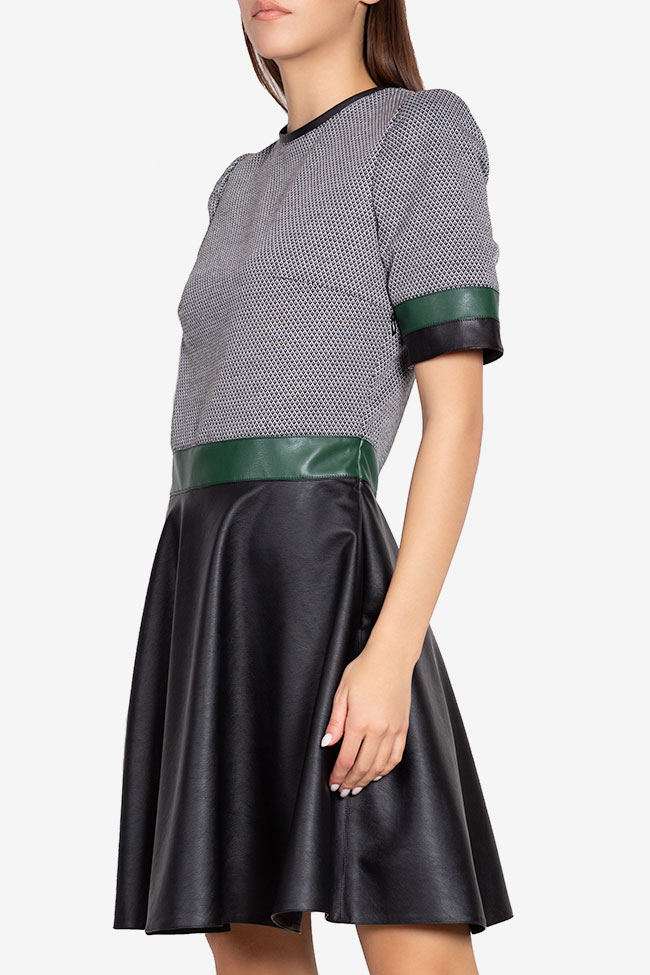 Rochie mini din jerseu cu insertii din piele ecologica Carmen Ormenisan imagine 0