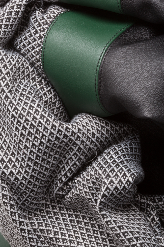 Rochie mini din jerseu cu insertii din piele ecologica Carmen Ormenisan imagine 4
