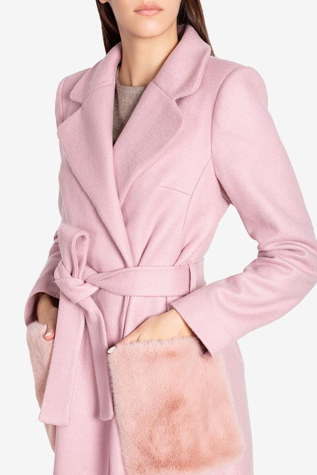 Manteau en étoffe de mélange de laine avec appliquées de fourrure Ramona Belciu image 3