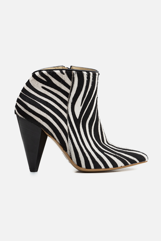 Sara90 zebra-print calf hair ankle boots Ginissima image 0