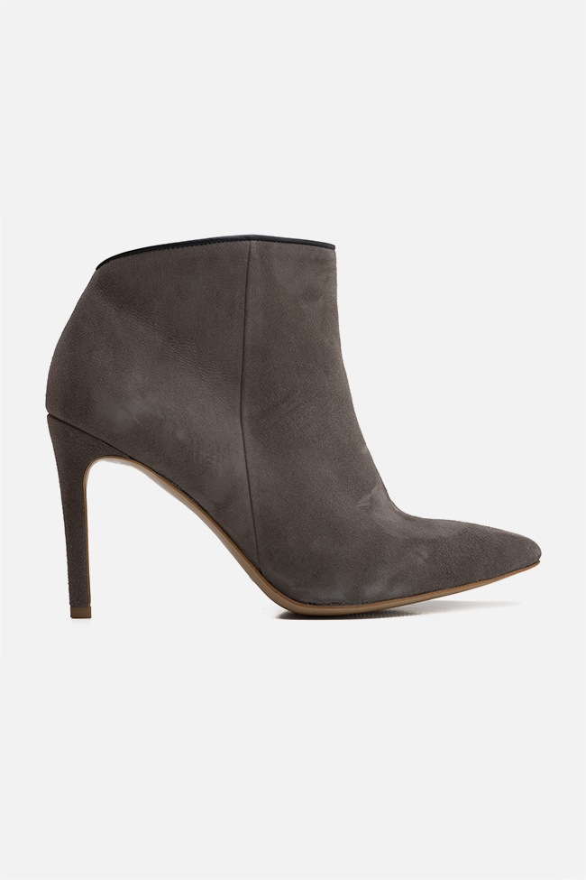 Sara90 suede ankle boots Ginissima image 0