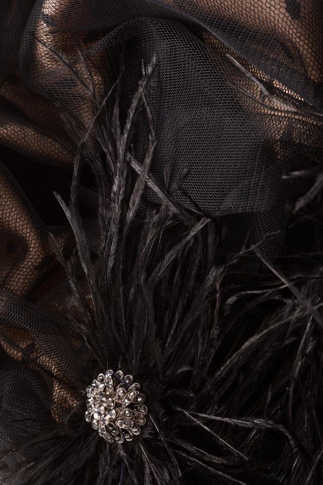 Rochie din tul cu insertii din catifea si pene Janettte Mirela Pellegrini imagine 4