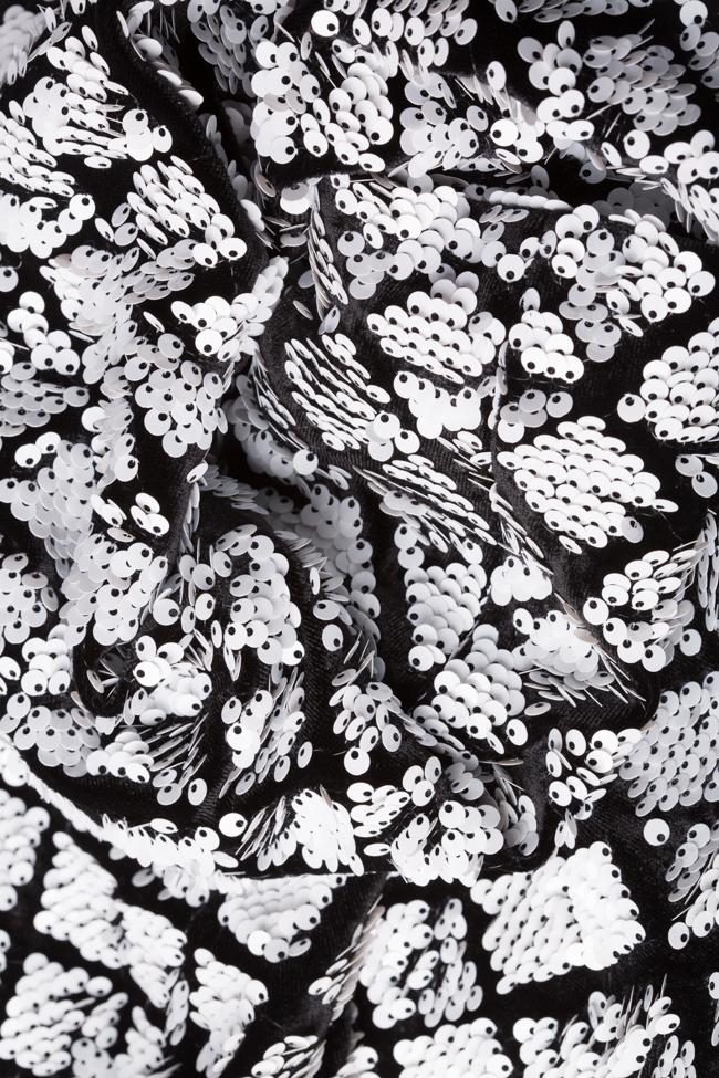 Rochie asimetrica din catifea ornata cu paiete Chloe Arllabel Golden Brand imagine 4