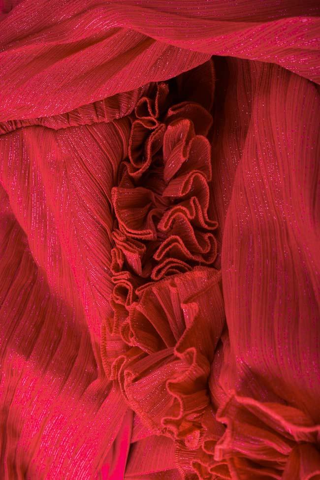 Rochie din voal plisat ornat cu fir lame cu aplicatii brodate manual Anya Maia Ratiu imagine 4