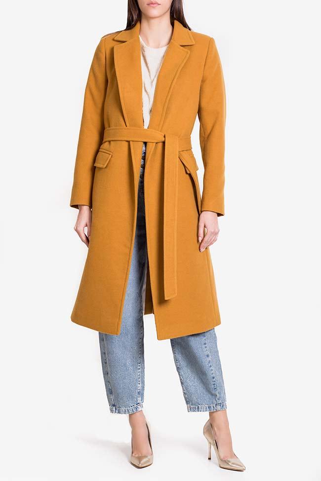 Manteau en étoffe avec cordon Mariana Ciceu image 1