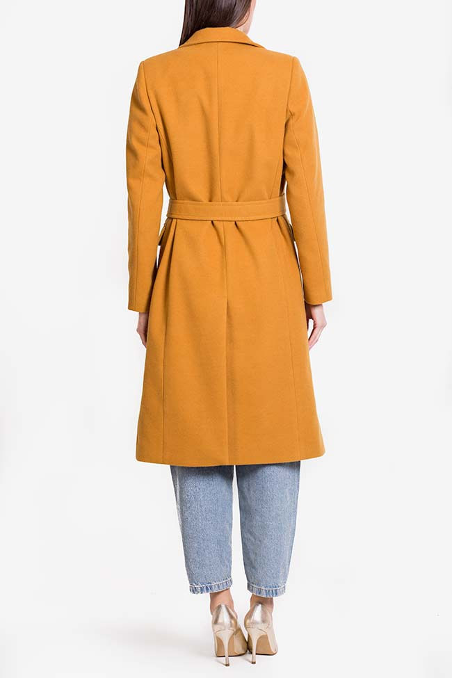 Manteau en étoffe avec cordon Mariana Ciceu image 2