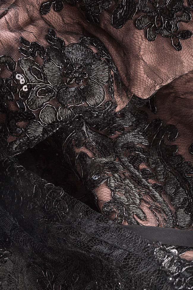 Robe en tulle avec applications de dentelle ornée de sequins Alfabeta image 4