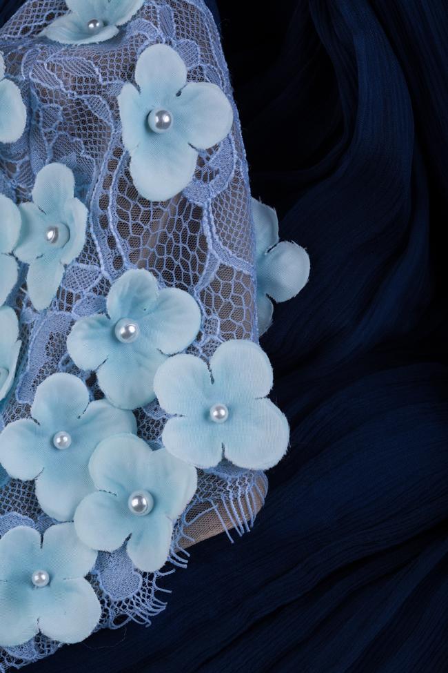 Rochie din tul de matase muselina cu aplicatii florale 3D Alara Maia Ratiu imagine 4
