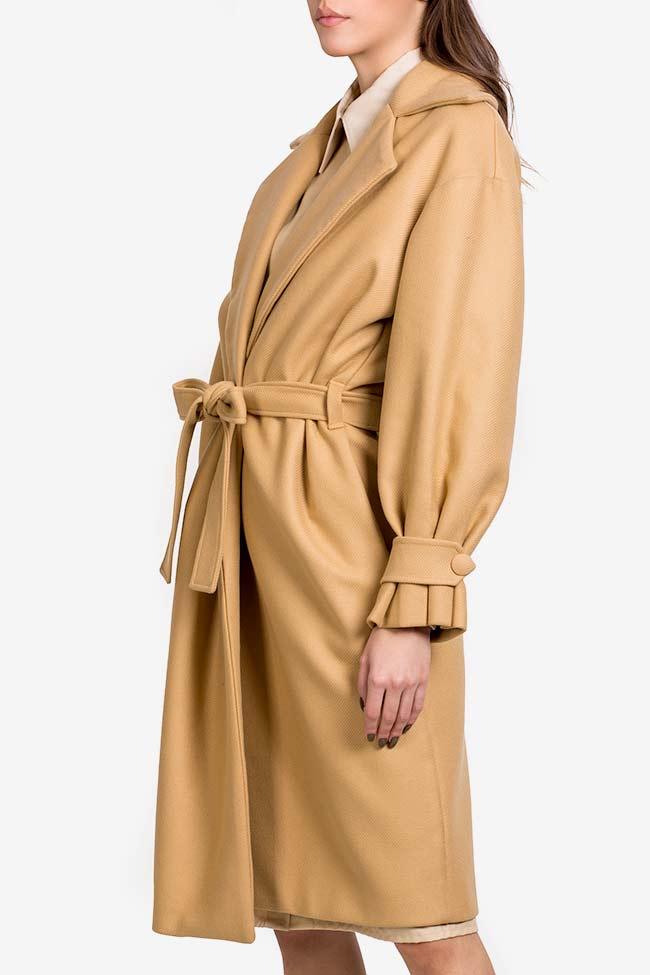 Palton din stofa de lana cu pliseuri Camel Carmina Cimpoeru imagine 0