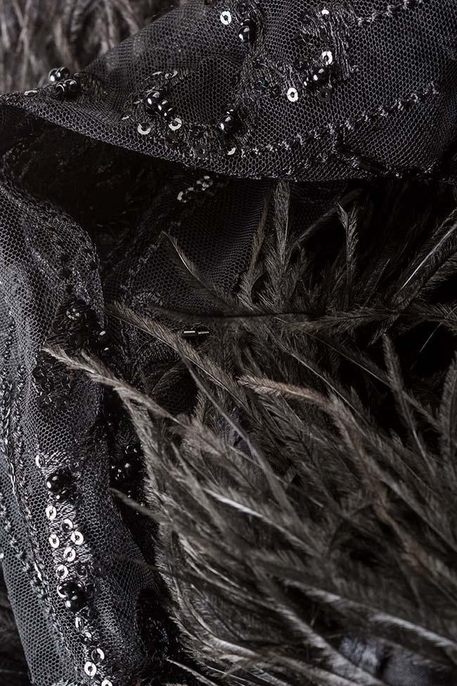 Blouse en dentelle avec applications de plumes et cristaux VIGO image 4