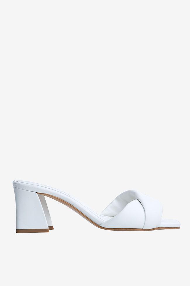 Papuci albi din piele Ginissima imagine 0