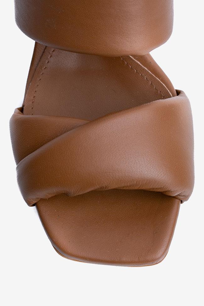 Papuci maro din piele si toc evazat Ginissima imagine 3