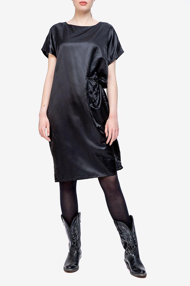Rochie neagra cu siret pe lateral Adelina Ivan imagine 0