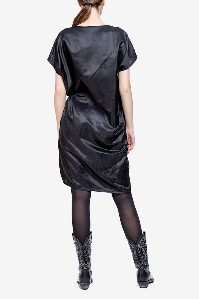 Rochie neagra cu siret pe lateral Adelina Ivan imagine 1