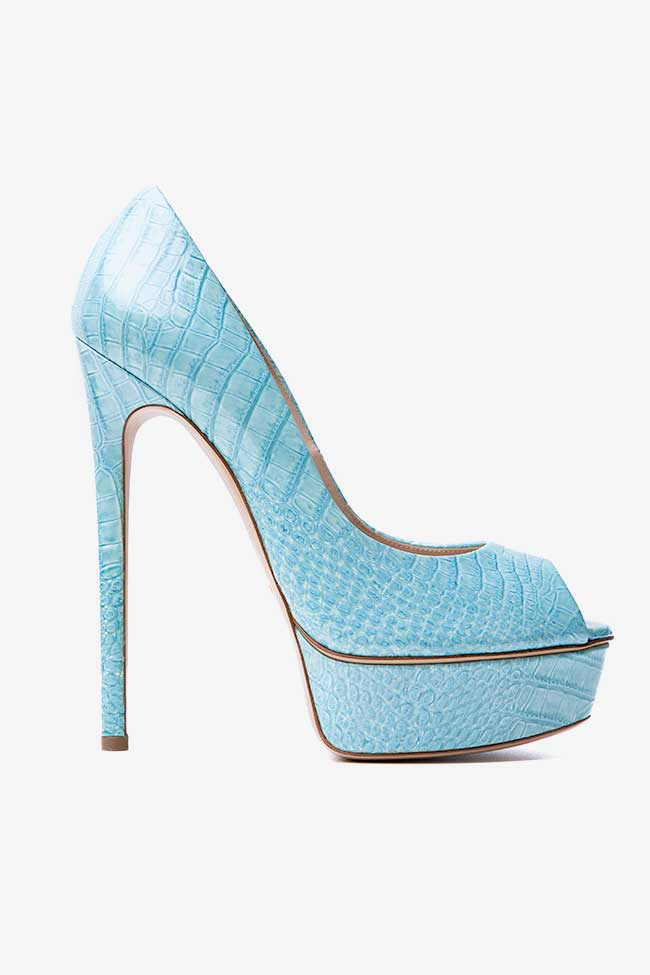 Pantofi bleu cu print croco Casadei imagine 0