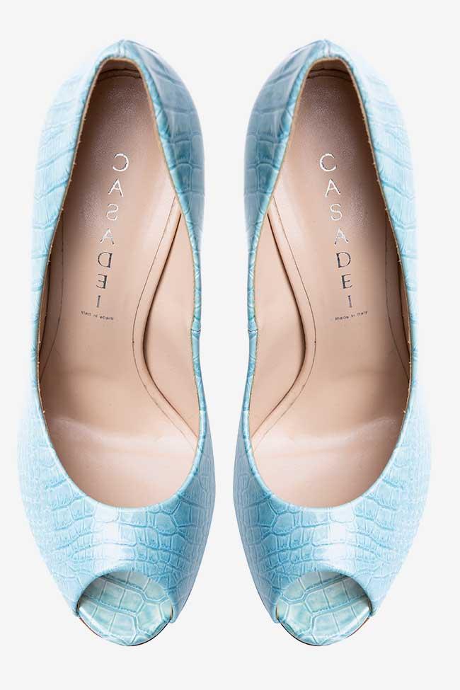 Pantofi bleu cu print croco Casadei imagine 1